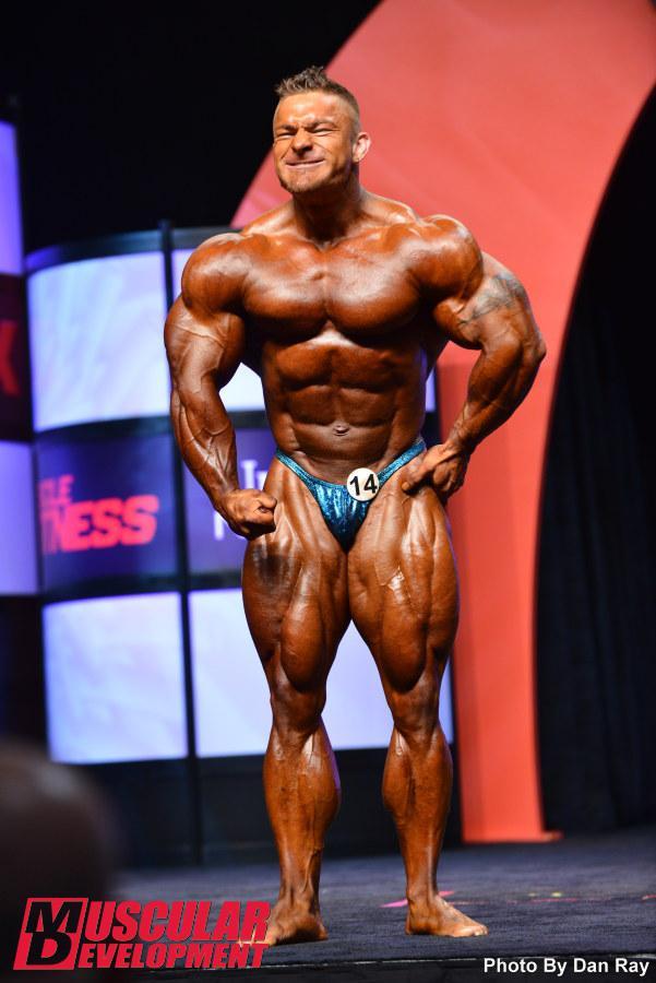 Mr. Olympia 2014 Webcast 7157-flex-lewis-203_final