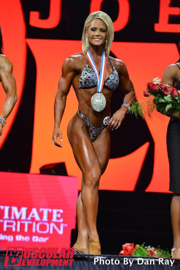 Nicole Wilkins, segunda plaza en Figura Olympia 2015