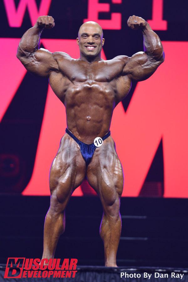 Jonathan Delarosa en las semifinales de Mr Olympia 2015