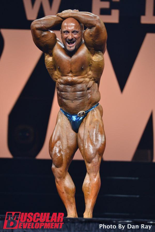 Robert Piotrkowicz en las semifinales de Mr Olympia 2015