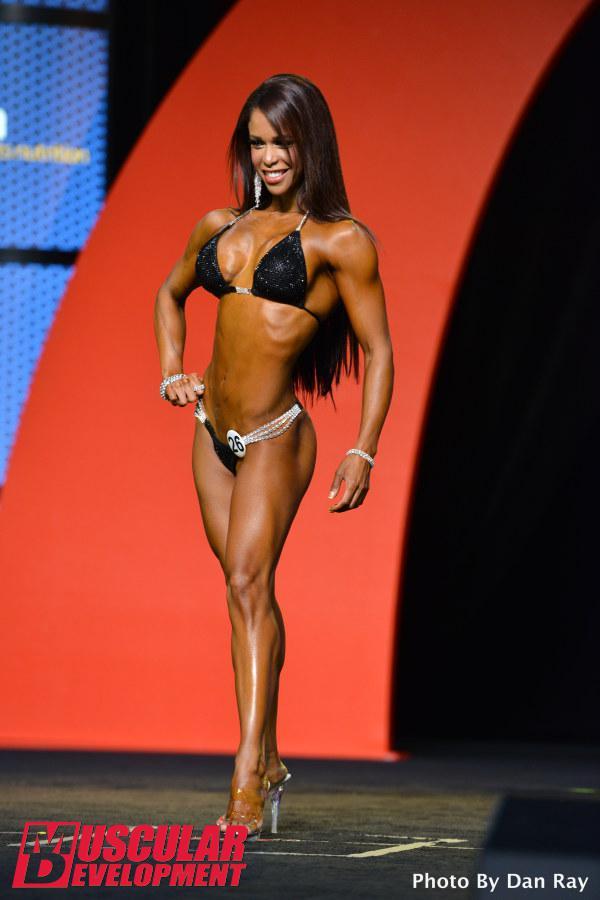 Indira Paulino, cuarta posición en Bikini Olympia 2015