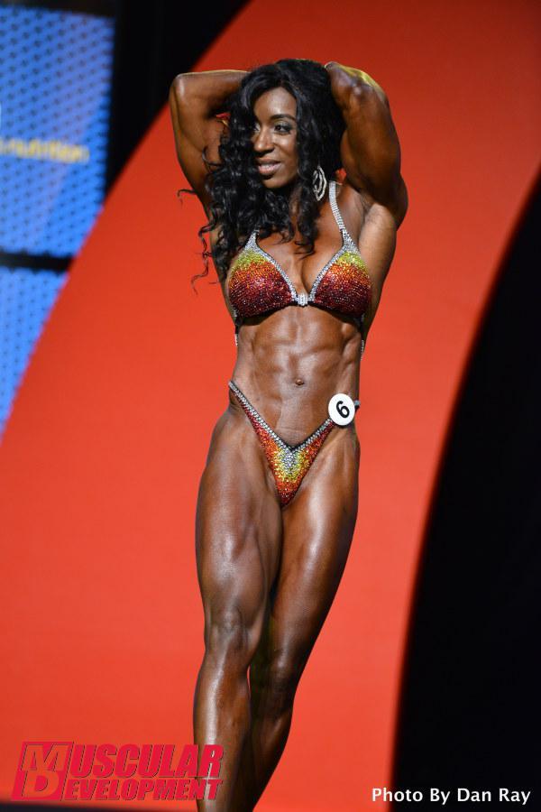 Tycie Coppett, tercera posición en Women's Physique Olympia 2015
