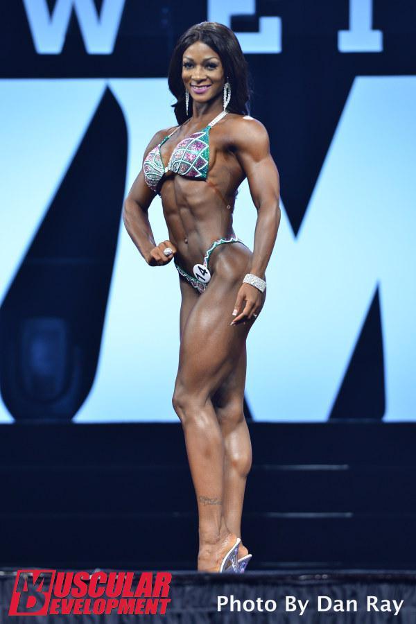 Candice Lewis durante la competición