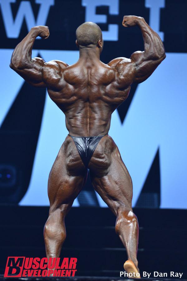 Shawn Rhoden en las semifinales de Mr Olympia 2015
