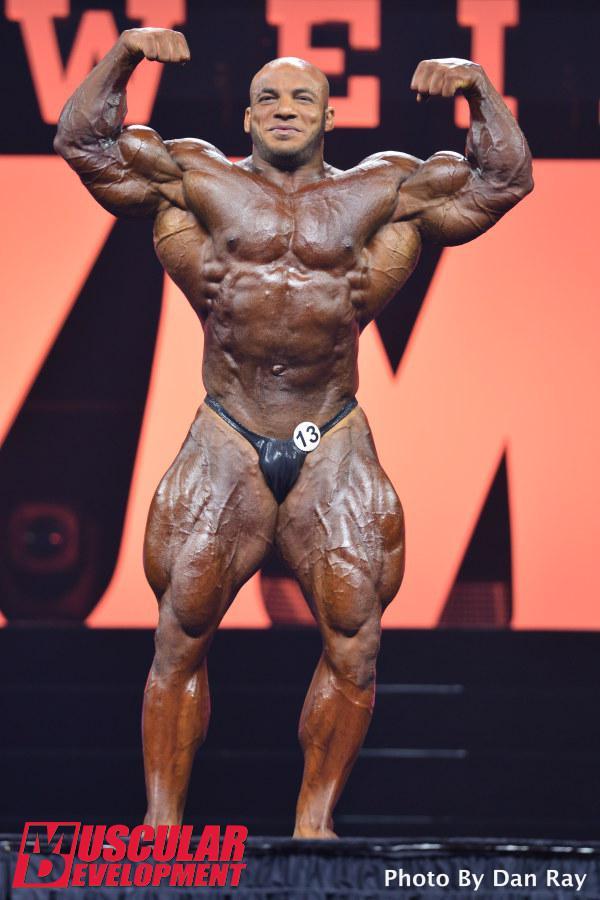Mamdouh Elssbiay en las semifinales de Mr Olympia 2015